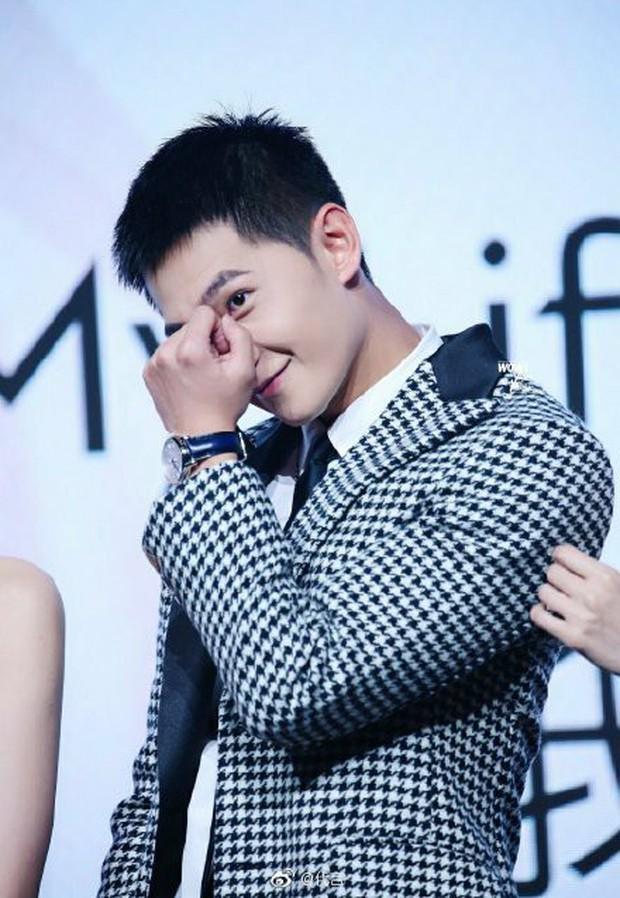 Ngỡ ngàng mỹ nam Cbiz khi cạo đầu: Người gây bão Weibo vì cực soái, kẻ mất mái tóc lãng tử vì... thua cược với fan - Ảnh 7.