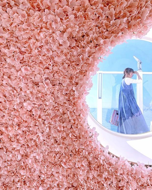 Phát sốt thiên đường Hello Kitty vừa lộ diện ở Nhật Bản, mỗi khi thấy chán đời tìm đến đây là vui lên ngay! - Ảnh 26.