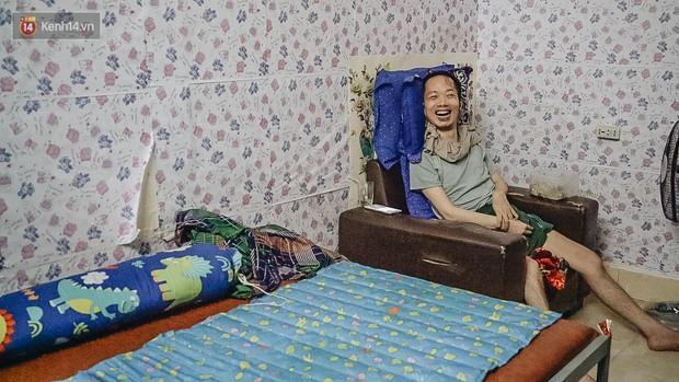 Xúc động người vợ 10 năm chăm chồng bị liệt toàn thân ở Hà Nội: Nếu không có anh, tôi không sống nổi - Ảnh 5.