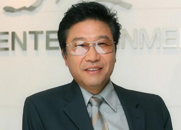 Học vấn khủng của loạt CEO các công ty giải trí hàng đầu Hàn Quốc, bất ngờ nhất là chủ tịch YG chỉ mới chỉ tốt nghiệp cấp ba! - Ảnh 1.