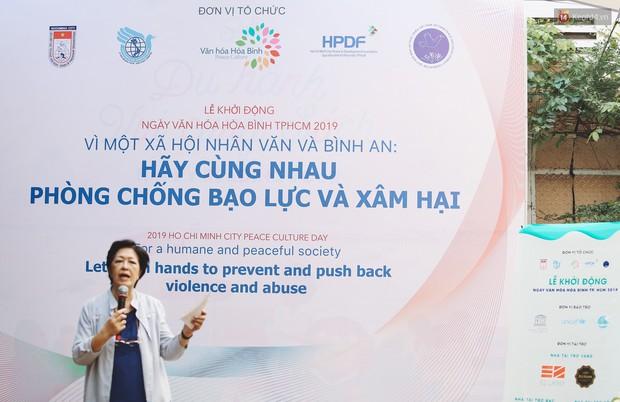 Đạo diễn Lê Hoàng hưởng ứng Ngày Văn hoá Hoà bình 2019: Bạo hành gia đình về tâm lý là rất nguy hiểm! - Ảnh 2.