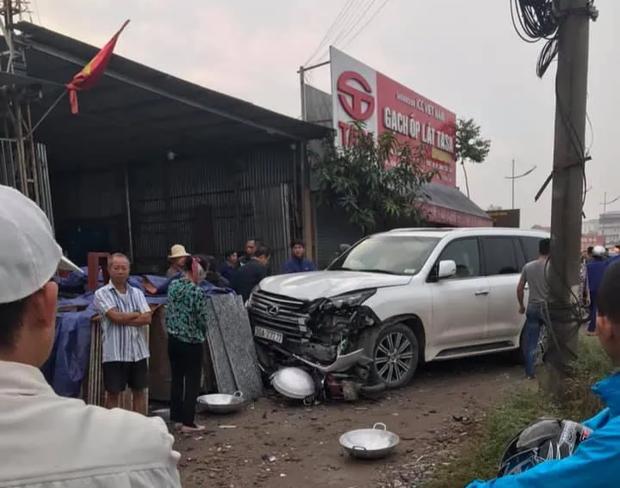 Hà Nội: Va chạm với xe sang Lexus mang biển ngũ quý 7, người phụ nữ tử vong tại chỗ - Ảnh 1.