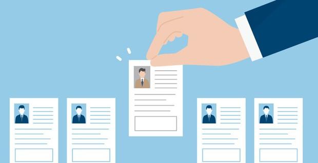 Bị loại từ vòng gửi xe chỉ vì CV quá kém, ứng viên vẫn quyết tâm đến phỏng vấn và được nhận chỉ vì phát hiện bác lao công là chủ tịch - Ảnh 2.