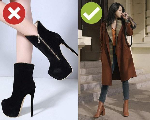Muốn mặc đẹp không góc chết, chị em đừng sắm 4 đôi boots sau bởi kiểu thì lỗi mốt, kiểu trông đến là nhàm - Ảnh 1.