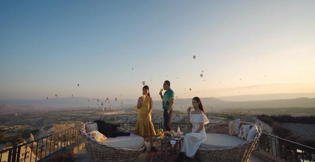 Vũ Khắc Tiệp chơi lớn khi thuê phòng khách sạn 40 triệu/ đêm ở Thổ Nhĩ Kỳ, bất chấp leo lên địa điểm cấm để sống ảo - Ảnh 11.