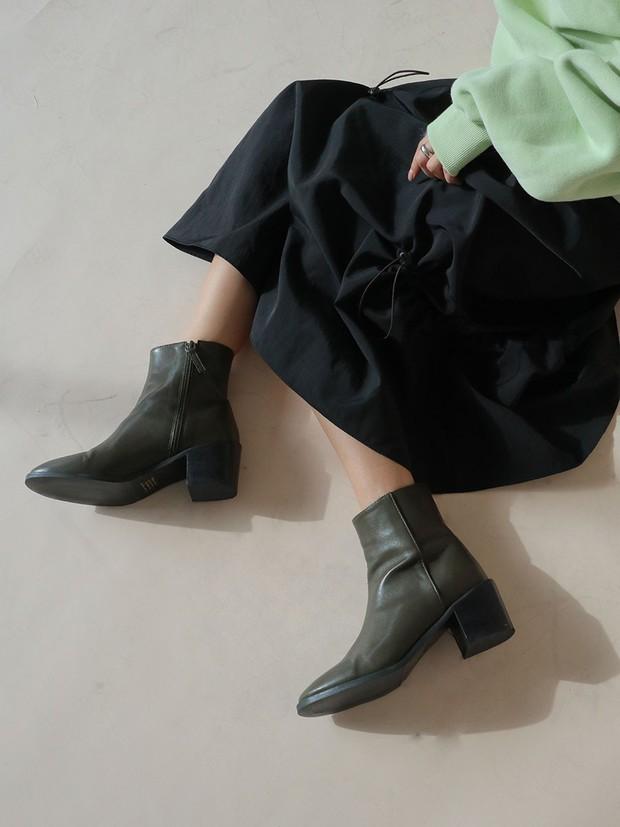 Muốn mặc đẹp không góc chết, chị em đừng sắm 4 đôi boots sau bởi kiểu thì lỗi mốt, kiểu trông đến là nhàm - Ảnh 3.