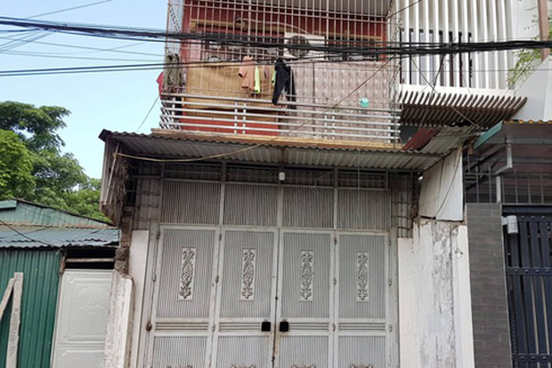 Gã lưu manh đuổi người thân ra khỏi nhà lập lô cốt có camera, ống nhòm hồng ngoại - Ảnh 6.