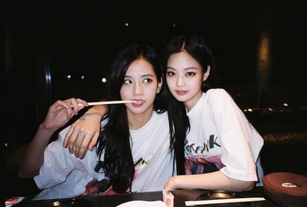 Jennie và Jisoo (BLACKPINK) khiến 1 loại snack Malaysia được nhập về Hàn Quốc để bán, kênh truyền hình Malaysia còn đưa tin cảm ơn - Ảnh 1.