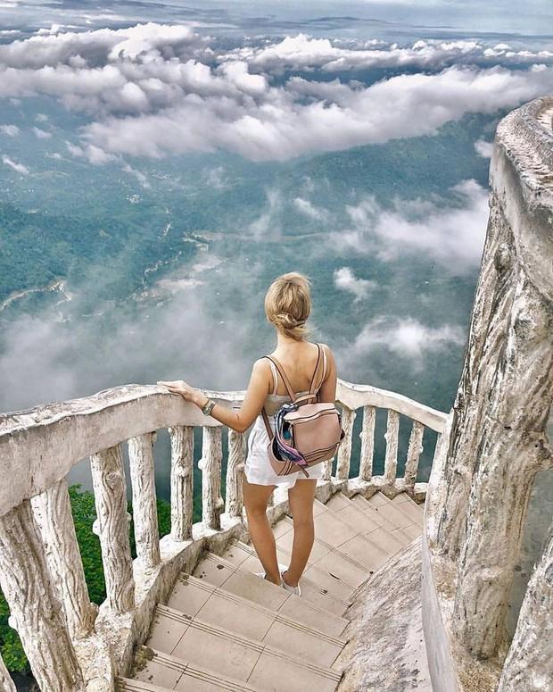 Clip leo cầu thang ở tháp xoắn ốc kỳ quái thu hút 4 triệu lượt xem, sợ đến thót tim nhưng nhiều du khách vẫn liều mình muốn thử - Ảnh 11.