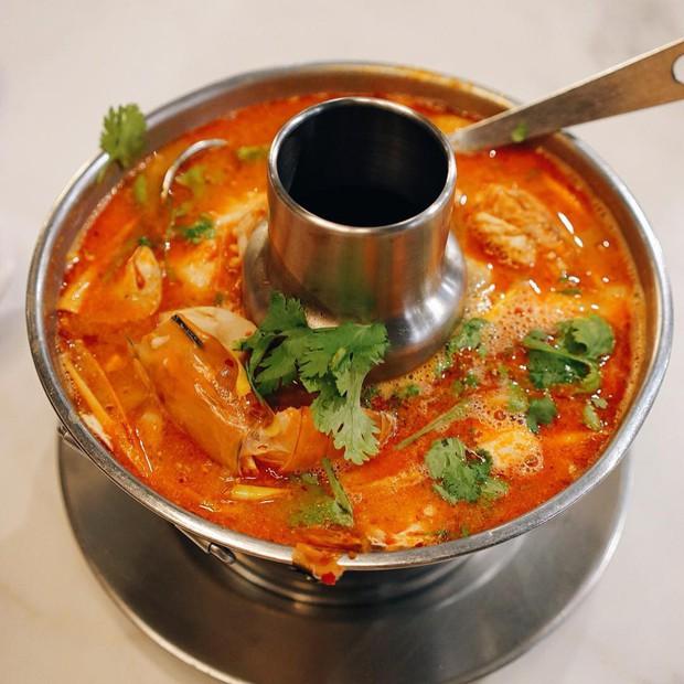 Đến Bangkok nhất định phải thử tom yum, nhưng chưa biết đến đâu ăn cho ngon thì có tận 8 địa chỉ dành cho bạn này - Ảnh 10.