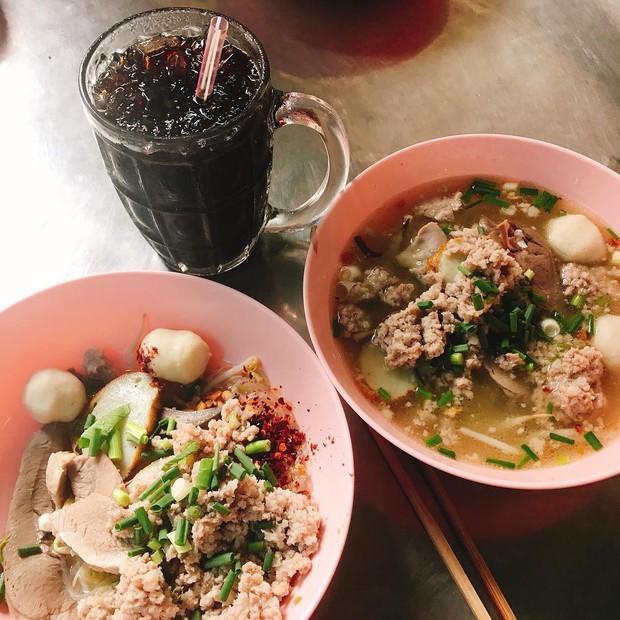 Đến Bangkok nhất định phải thử tom yum, nhưng chưa biết đến đâu ăn cho ngon thì có tận 8 địa chỉ dành cho bạn này - Ảnh 14.