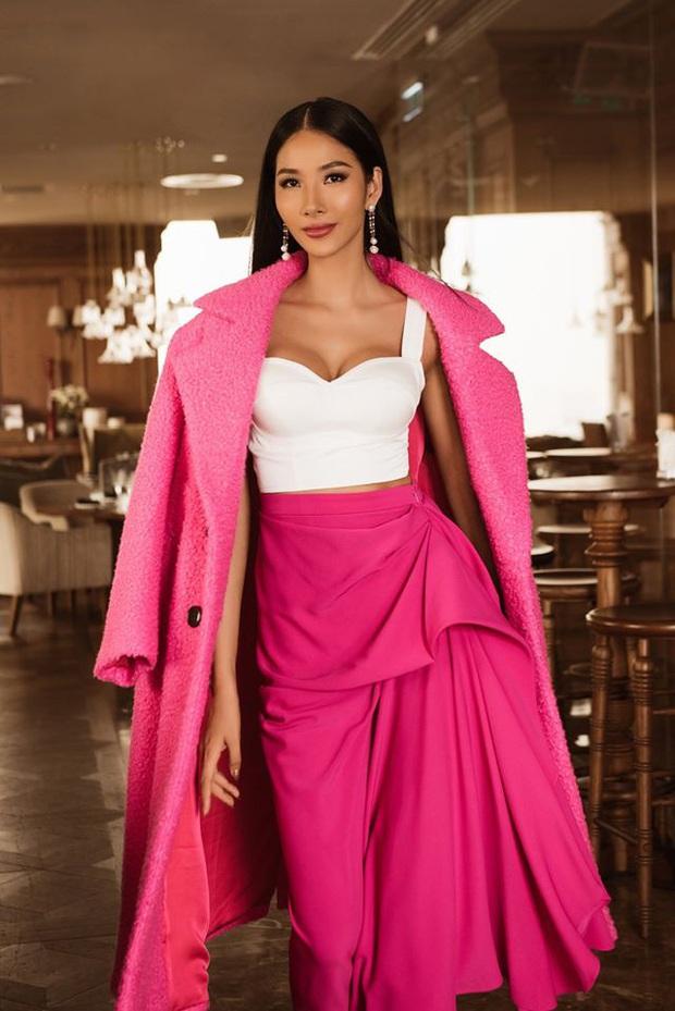 Hoàng Thùy khoe dáng siêu nuột, đọ sắc một chín một mười bên dàn đối thủ trong ngày thứ 3 tại Miss Universe 2019 - Ảnh 8.