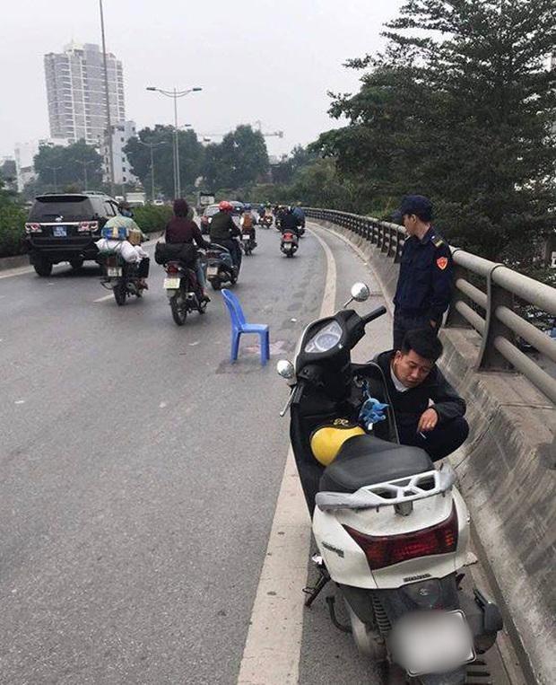 Hà Nội: Truy tìm tài xế gây tai nạn khiến cháu bé 5 tuổi tử vong rồi bỏ trốn khỏi hiện trường - Ảnh 1.