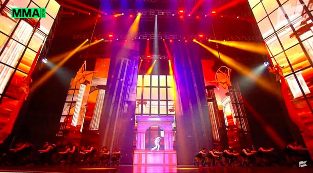 BTS có thêm màn trình diễn huyền thoại tại MMA 2019: Khắc hoạ 6 năm hoạt động trên 10 sân khấu, tỏ tình với ARMY toàn thế giới có cả Việt Nam - Ảnh 17.