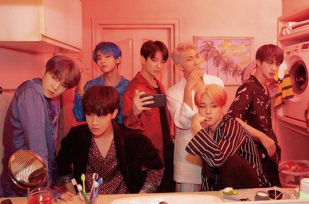 """BTS và 10 dấu mốc """"mở đường"""" cho Kpop: Diễn ở Grammy, 3 lần no.1 Billboard 200 cùng hàng loạt """"lần đầu tiên"""" khiến ARMY phổng mũi tự hào - Ảnh 9."""