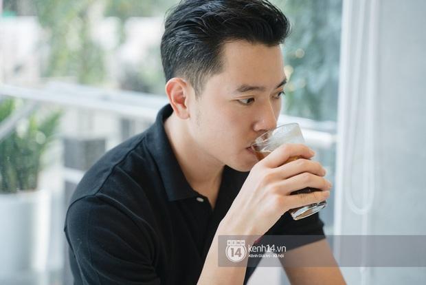 Cơ trưởng trẻ nhất Việt Nam Quang Đạt: Mình đang độc thân nhưng không available - Ảnh 8.