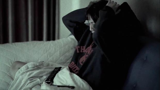 Emma Nhất Khanh hở bạo rủ trai đẹp đam mĩ Lãnh Thanh lên giường để kể chuyện Thương Người Đã Cũ - Ảnh 4.