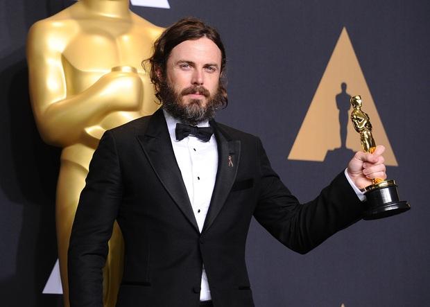 5 chủ nhân Oscar bị netizen không phục: Bom tấn thế kỉ như Avatar vẫn không xứng với tượng vàng? - Ảnh 3.
