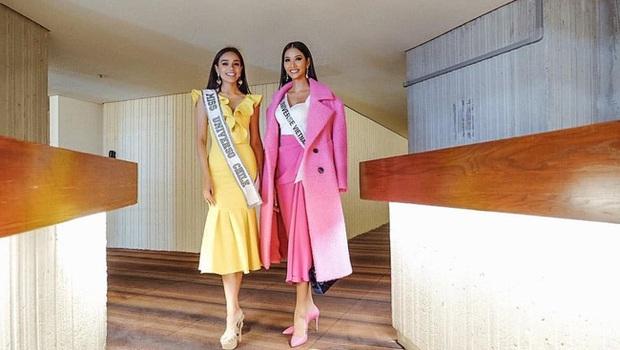 Hoàng Thùy diện đồ màu hồng chóe ngày đầu thi Miss Universe 2019, lấy hên bằng cách diện lại áo của HHen Niê - Ảnh 1.