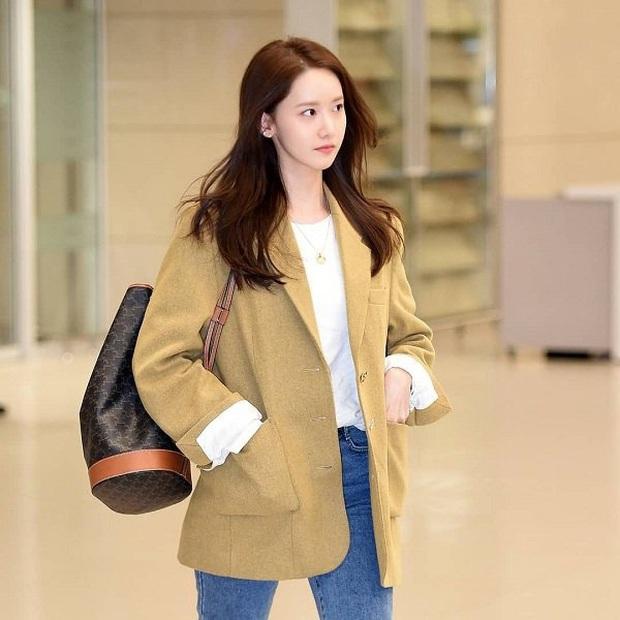 Style sân bay sao Hoa - Hàn tuần qua: Công thức blazer + jeans được chọn nhiều, nhưng ai mới là người mặc đẹp nhất? - Ảnh 1.