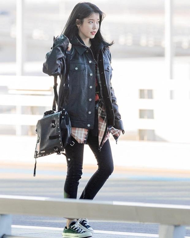 Style sân bay sao Hoa - Hàn tuần qua: Công thức blazer + jeans được chọn nhiều, nhưng ai mới là người mặc đẹp nhất? - Ảnh 2.