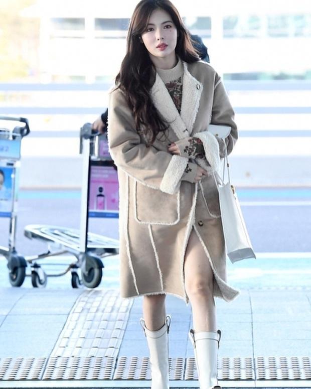 Style sân bay sao Hoa - Hàn tuần qua: Công thức blazer + jeans được chọn nhiều, nhưng ai mới là người mặc đẹp nhất? - Ảnh 3.