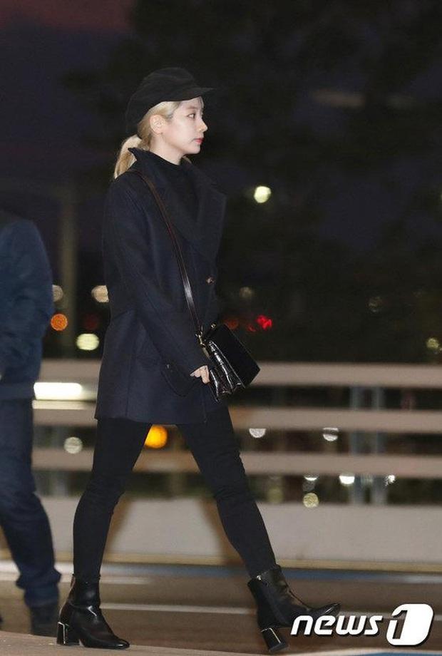 Style sân bay sao Hoa - Hàn tuần qua: Công thức blazer + jeans được chọn nhiều, nhưng ai mới là người mặc đẹp nhất? - Ảnh 6.