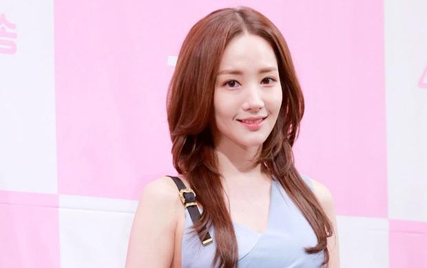 """Chơi thân lâu nên giờ kiểu tóc của Park Min Young giống Jessica quá chừng, nhưng nhìn không """"xịn"""" bằng tóc mái phồng style """"Thư ký Kim"""" - Ảnh 6."""