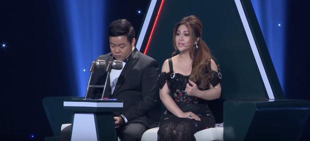 Quang Lê, Dương Khắc Linh từng gây tranh cãi khi làm việc riêng trong lúc đồng nghiệp đang nhận xét trên sóng truyền hình - Ảnh 4.