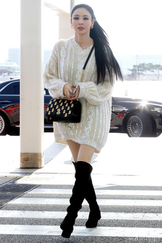 Lần đầu tiên Jennie (BLACKPINK) lu mờ giữa sân bay, bị ác nữ Lee Da Hee sang chảnh và đàn em vượt mặt - Ảnh 5.