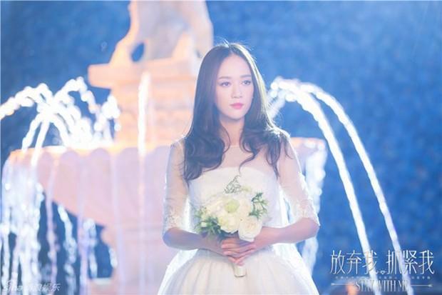 10 cô dâu đẹp nhất trên màn ảnh: Lưu Diệc Phi trong sáng thuần khiết, Jun Ji Hyun kiêu sa sang chảnh - Ảnh 17.