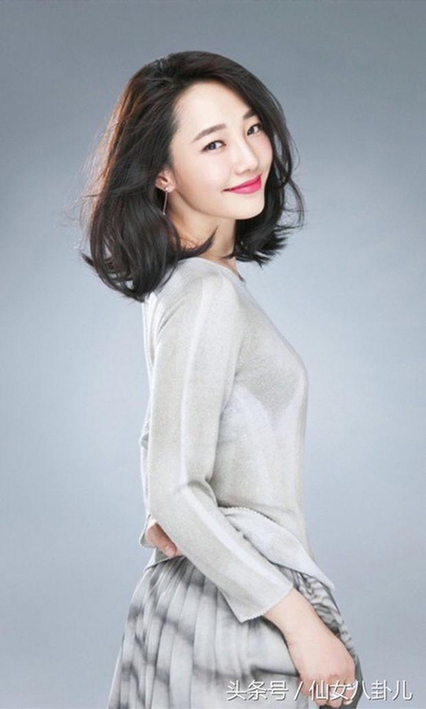 Bảng xếp hạng địa vị sao nữ Cbiz: Củng Lợi xứng danh chị đại, Dương Mịch - Triệu Lệ Dĩnh bị đàn em vượt mặt - Ảnh 9.