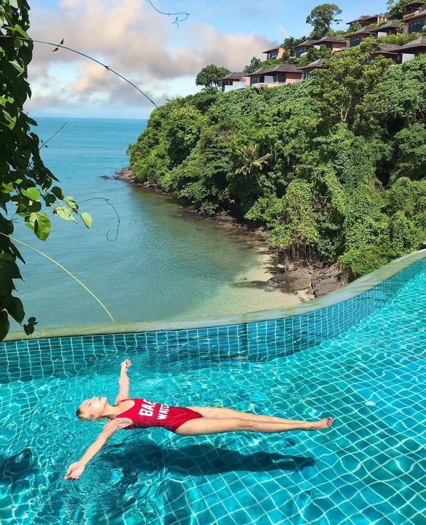 Fan Việt nhận ra địa điểm Lisa (BLACKPINK) vừa check-in là nơi Jolie Nguyễn và Vũ Khắc Tiệp từng quay vlog: Resort hot nhất Thái Lan chính là đây! - Ảnh 7.