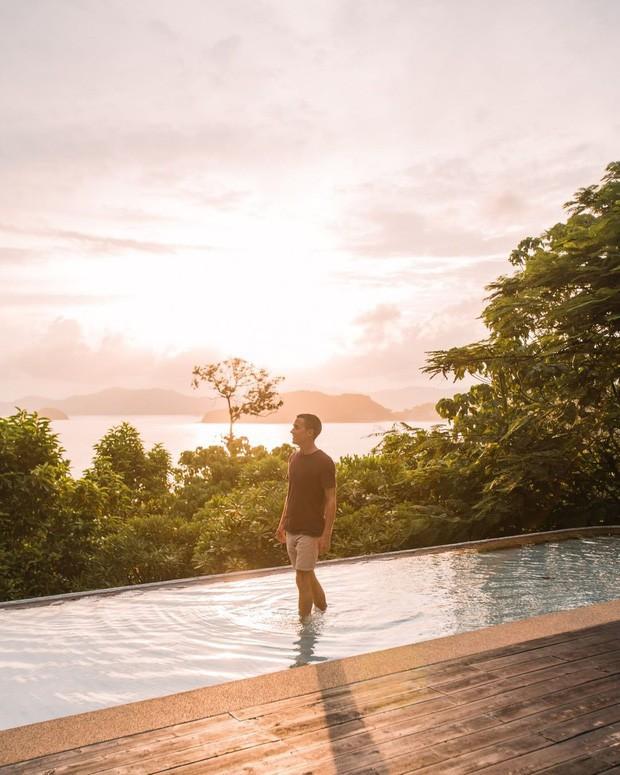 Fan Việt nhận ra địa điểm Lisa (BLACKPINK) vừa check-in là nơi Jolie Nguyễn và Vũ Khắc Tiệp từng quay vlog: Resort hot nhất Thái Lan chính là đây! - Ảnh 10.
