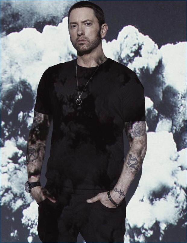 Từng hợp tác làm nhạc cực kì thân thiết là thế, cớ sao Eminem lại ủng hộ Chris Brown, đòi đấm vào mặt Rihanna thế này? - Ảnh 1.
