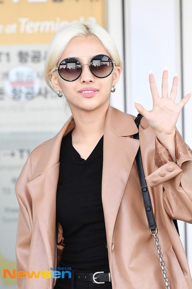 Lần đầu tiên Jennie (BLACKPINK) lu mờ giữa sân bay, bị ác nữ Lee Da Hee sang chảnh và đàn em vượt mặt - Ảnh 12.