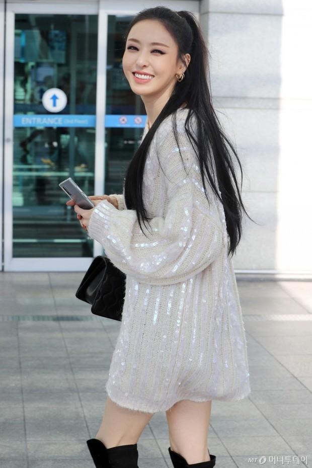Lần đầu tiên Jennie (BLACKPINK) lu mờ giữa sân bay, bị ác nữ Lee Da Hee sang chảnh và đàn em vượt mặt - Ảnh 7.
