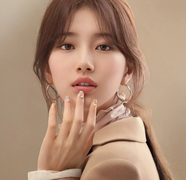 "The beauty level of ""National First Love"" Suzy is here"
