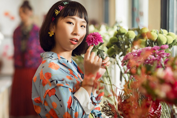 Tạm biệt một Phạm Quỳnh Anh buồn bã, chị đã trở lại yêu đời, cùng Trang Hý lên kế hoạch cua trai trong MV mới nhất - Ảnh 8.