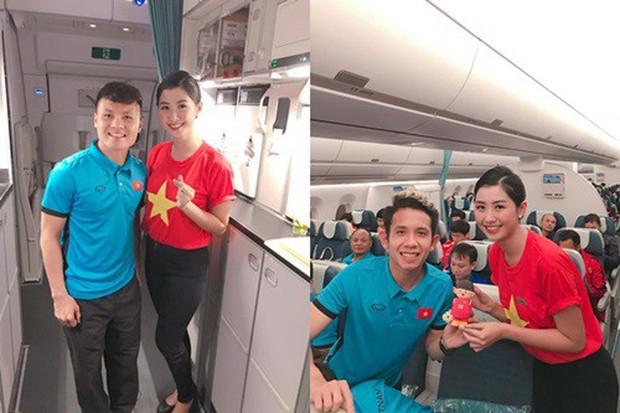 Từ vụ đăng story gây tranh cãi của Hiếu Orion: Chụp ảnh cùng tiếp viên hàng không trên máy bay là nên hay không? - Ảnh 3.