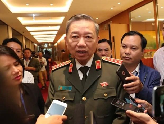 Bộ trưởng Tô Lâm: Ưu tiên việc xác nhận danh tính người Việt thiệt mạng tại Anh - Ảnh 1.