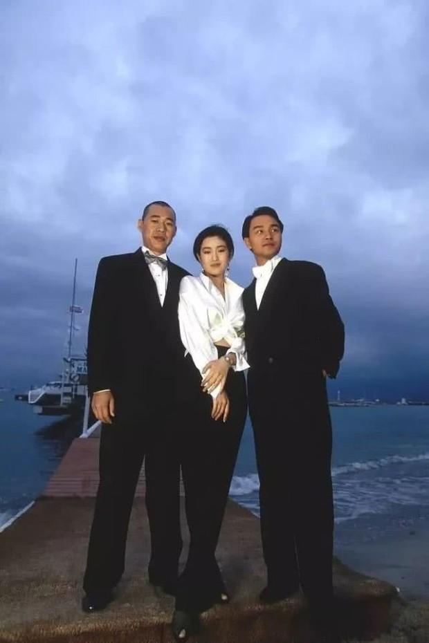 Cbiz chỉ mình Củng Lợi được báo chí phương Tây ca ngợi là Mỹ nhân đẹp nhất phương Đông, Lâm Thanh Hà ghen tị ra mặt - Ảnh 9.