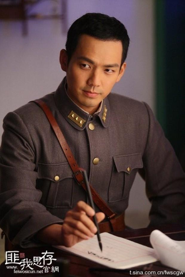 Loạt nam nhân mặc quân phục đẹp nhức nách: Đáng chú ý nhất là cả dàn trai trẻ chẳng ai xô đổ được ông chú Chung Hán Lương! - Ảnh 23.