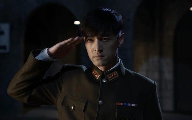 Loạt nam nhân mặc quân phục đẹp nhức nách: Đáng chú ý nhất là cả dàn trai trẻ chẳng ai xô đổ được ông chú Chung Hán Lương! - Ảnh 20.