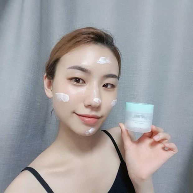 Dùng riêng biệt kem dưỡng ban ngày – ban đêm là siêu bí kíp giúp da bạn đẹp lên bội phần và trẻ mãi với thời gian - Ảnh 4.