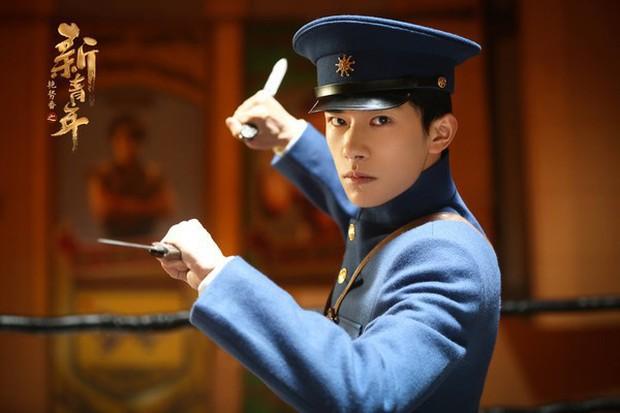 Loạt nam nhân mặc quân phục đẹp nhức nách: Đáng chú ý nhất là cả dàn trai trẻ chẳng ai xô đổ được ông chú Chung Hán Lương! - Ảnh 9.