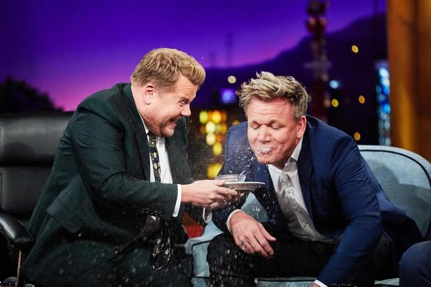 """Màn nhận xét thí sinh gay gắt như """"tát nước vào mặt"""" của Gordon Ramsay lại được chia sẻ rầm rộ, nhưng là vì... quá cute - Ảnh 8."""