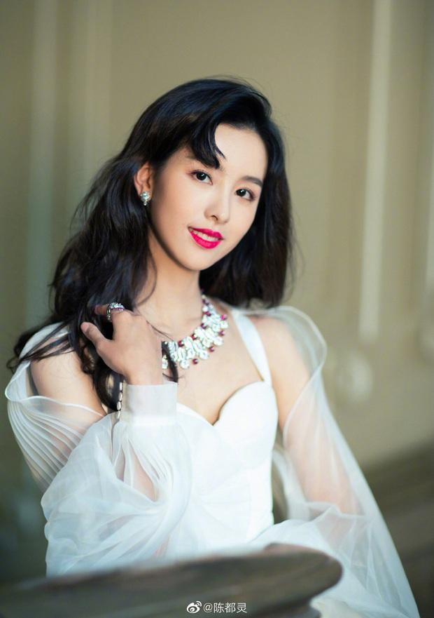 Loạt hot girl đình đám Trung Quốc một thời: Nhan sắc ngày càng thăng hạng, có người ở ẩn vì chồng gặp bê bối - Ảnh 19.