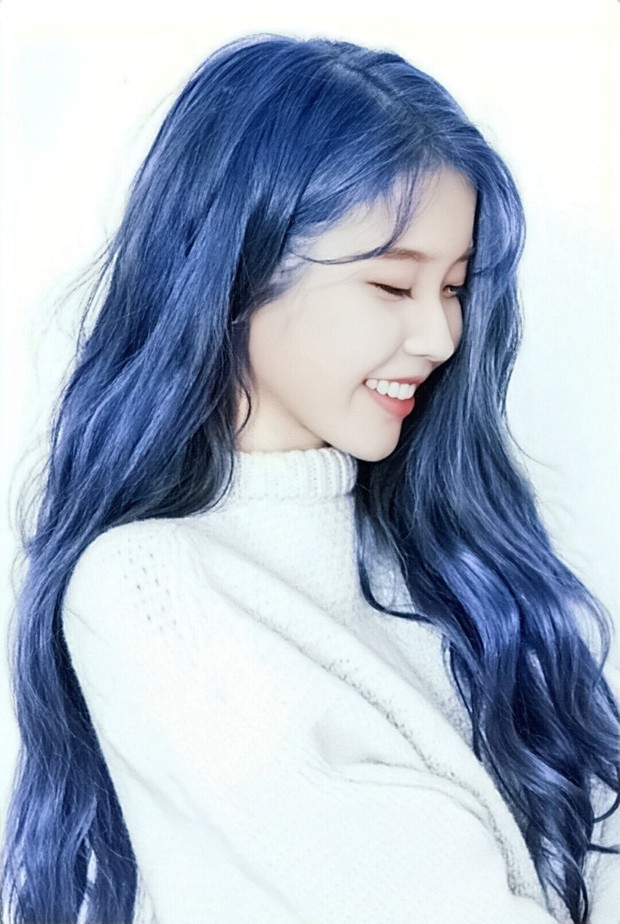 Hết tóc tím, chị nguyệt CEO IU lại khiến dân tình ngã quỵ với tóc xanh nâng tầm nhan sắc đỉnh cao - Ảnh 2.
