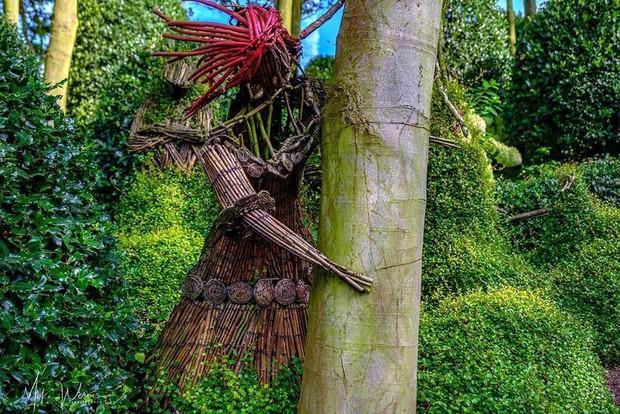 Chớ dại mà đến khu vườn kỳ dị này ở Pháp vào buổi đêm kẻo bị dọa cho hồn bay phách lạc - Ảnh 5.